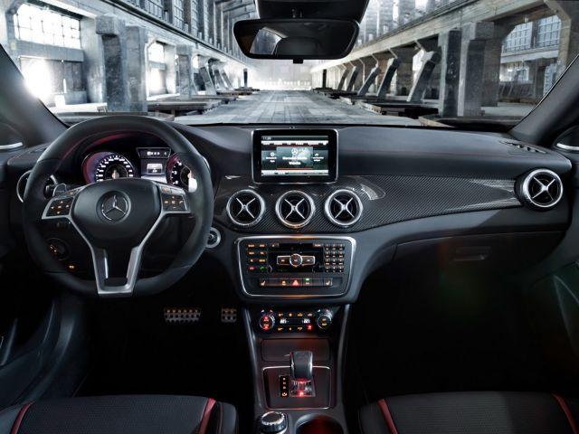 [Resim: alb_63_26_New-Mercedes-CLA-45-AMG-12%5B2%5D.jpg]